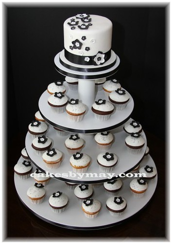 Black And White Cupcakes Cakes By Maylene Flickr