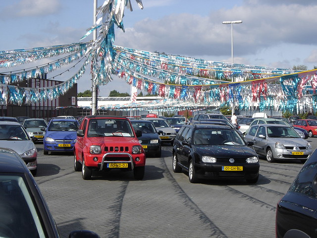 Aaa Auto Sales >> Utrecht: Used Car Sales | Looks like an American used cars ...