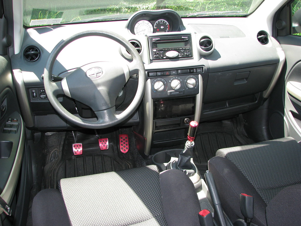 2005 scion xa interiorfront dash here you can see the one flickr sciox Images