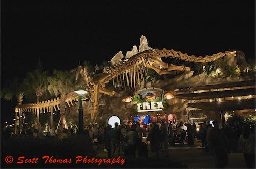 T rex restaurant t rex restaurant in downtown disney for Restaurant t rex