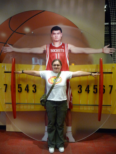 Real size of Yao Ming!!! | Flickr - Photo Sharing!