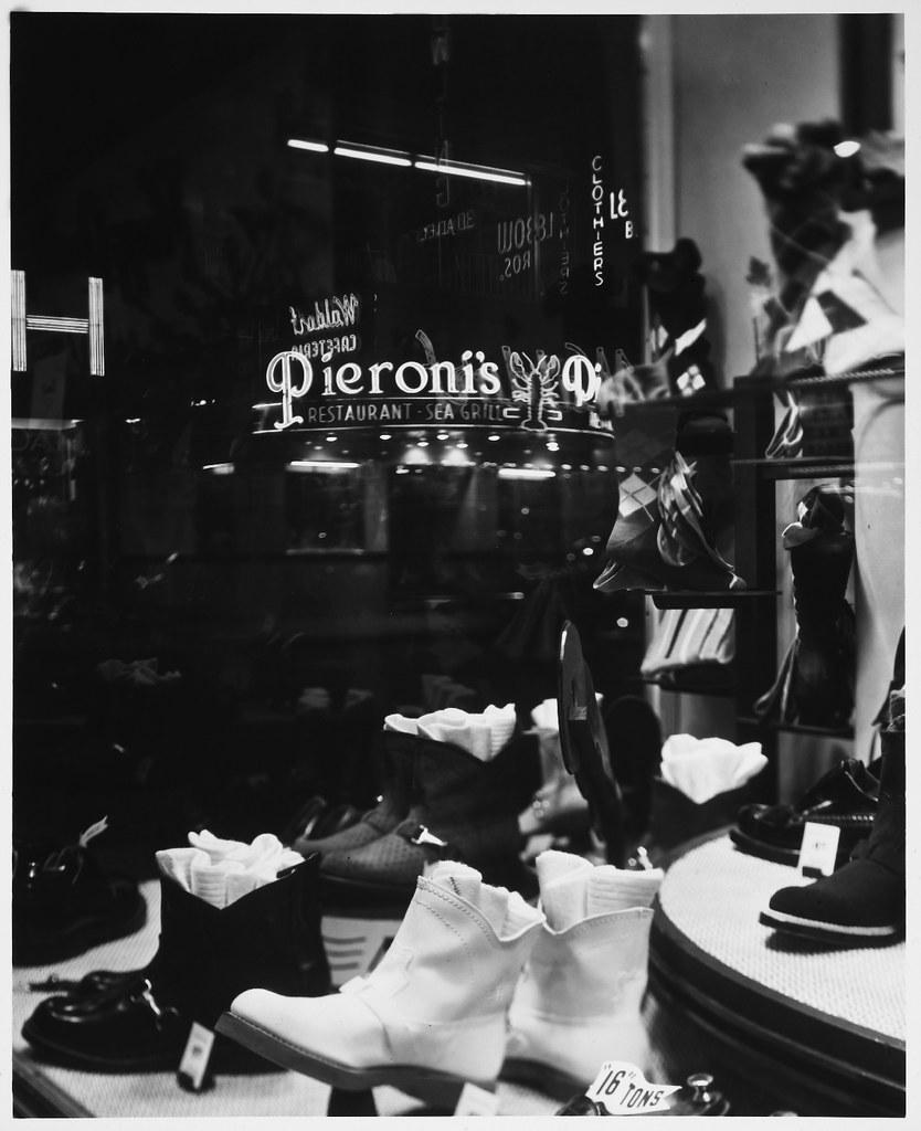 Shoe Store Window Displays