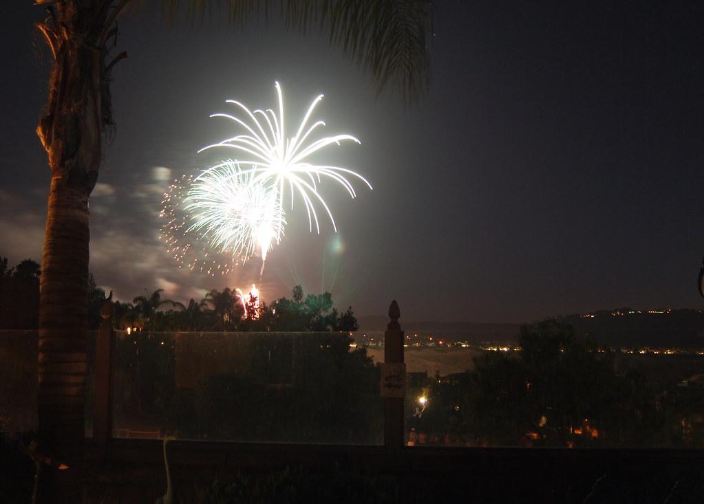 Backyard Fireworks : backyardfireworks  July 4th 2009 Laguna Niguel, California?  Ron