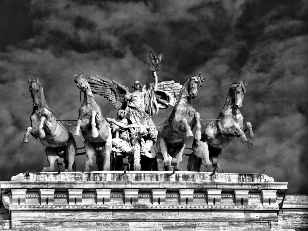 Mythology: the Gods Communication with Mortals Essay