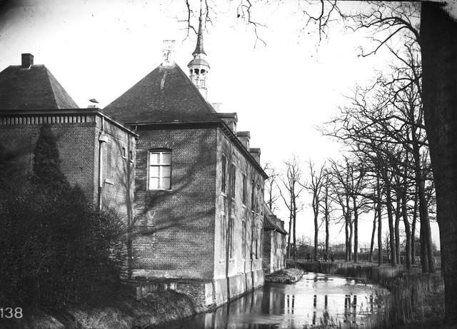 Huis in vierlingsbeek oud huis met torentje de achterzij flickr - Modern deco in oud huis ...
