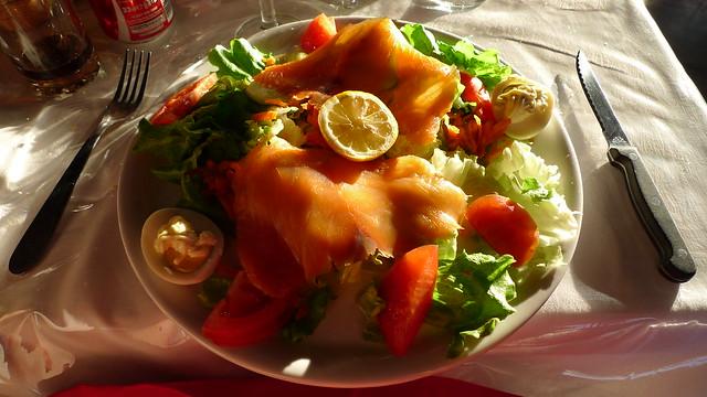 assiette de salade au saumon flickr photo sharing. Black Bedroom Furniture Sets. Home Design Ideas