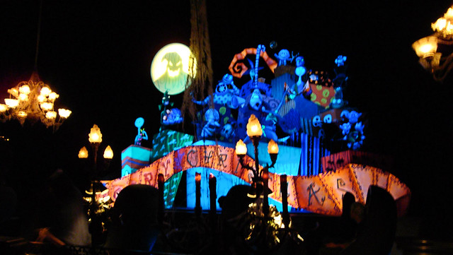 Disneyland - Haunted Mansion - Nightmare Before Christmas | Flickr ...