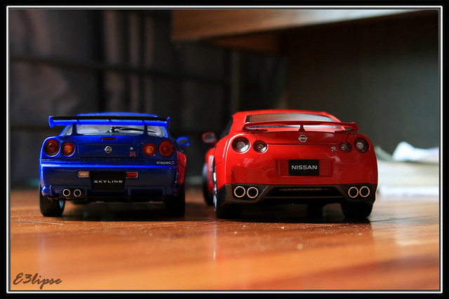1 18 autoart nissan skyline r34 and nissan gtr r35 flickr. Black Bedroom Furniture Sets. Home Design Ideas