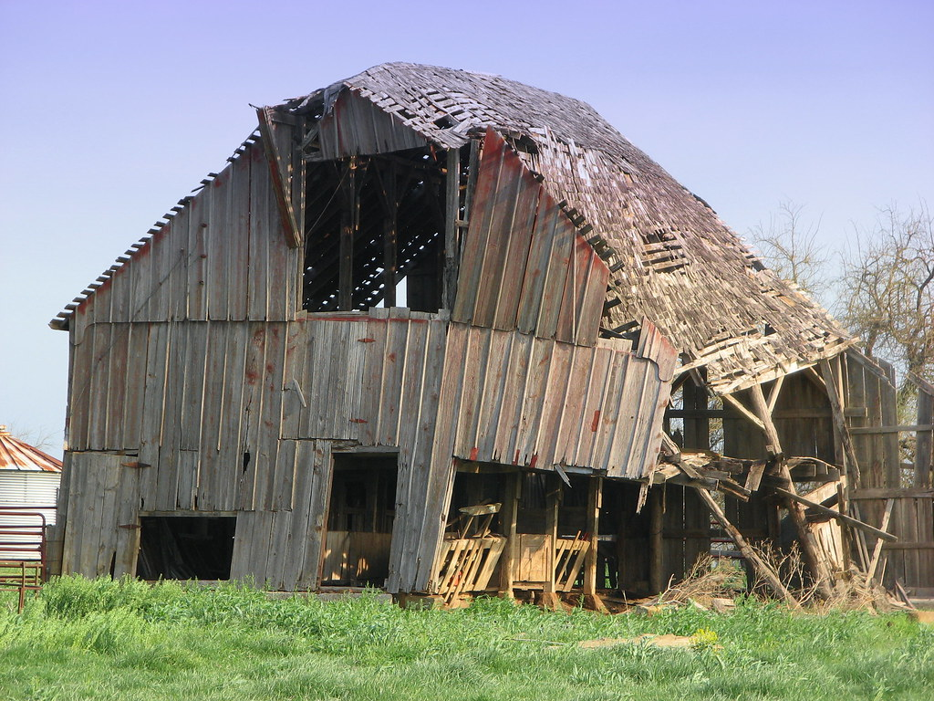 Old Wood Barn Lamar Missouri Old Wood Barn Lamar