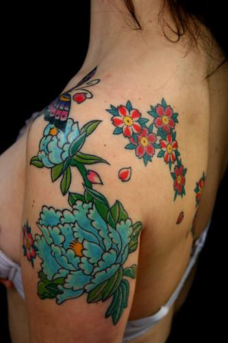 Peonie e fiori di ciliegio tattoo by dap skingdom tattoo s for Tattoo fiori sul polso