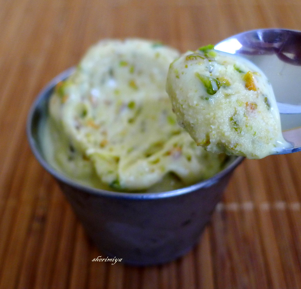Pistachio Ice Cream, homemade, closeup | Adapted from Epicur ...