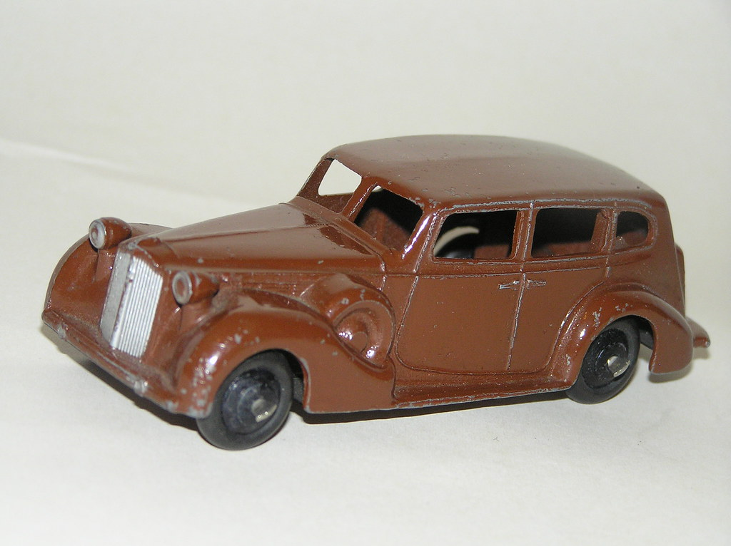 Dinky Toys - late 1930s Packard Super-8 Touring Sedan (#39 ...
