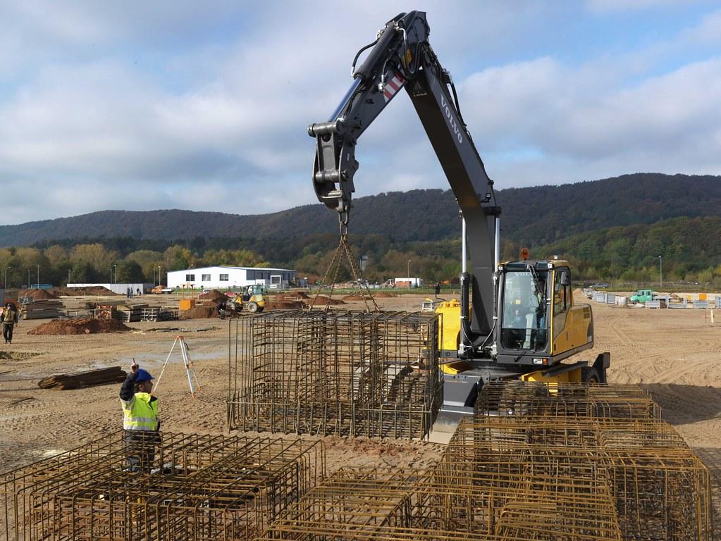 Volvo Ew230c Wheeled Excavator Lifting Ew230c 20420 Volvo Construction Equipment Flickr