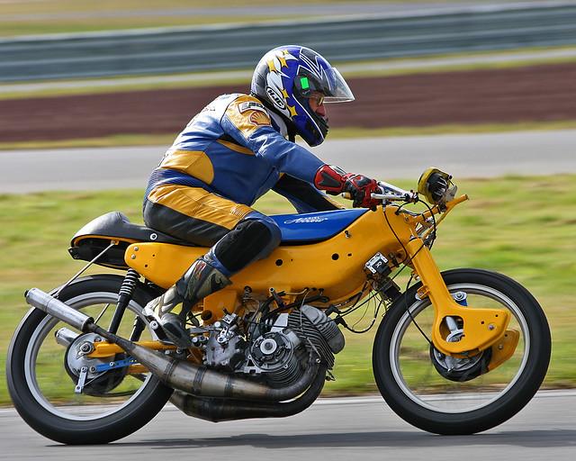 Ariel Arrow Classic Bike Racing Taupo Nz April 09