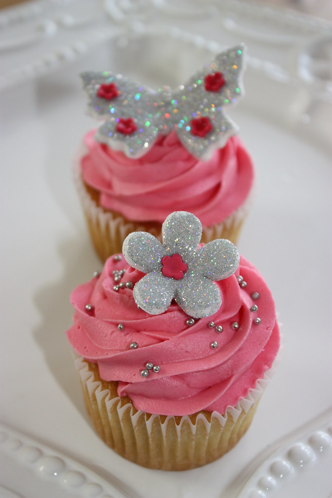 fuschia pink and silver wedding cakes silver glitter amp pink wedding cupcake samples made these 14622