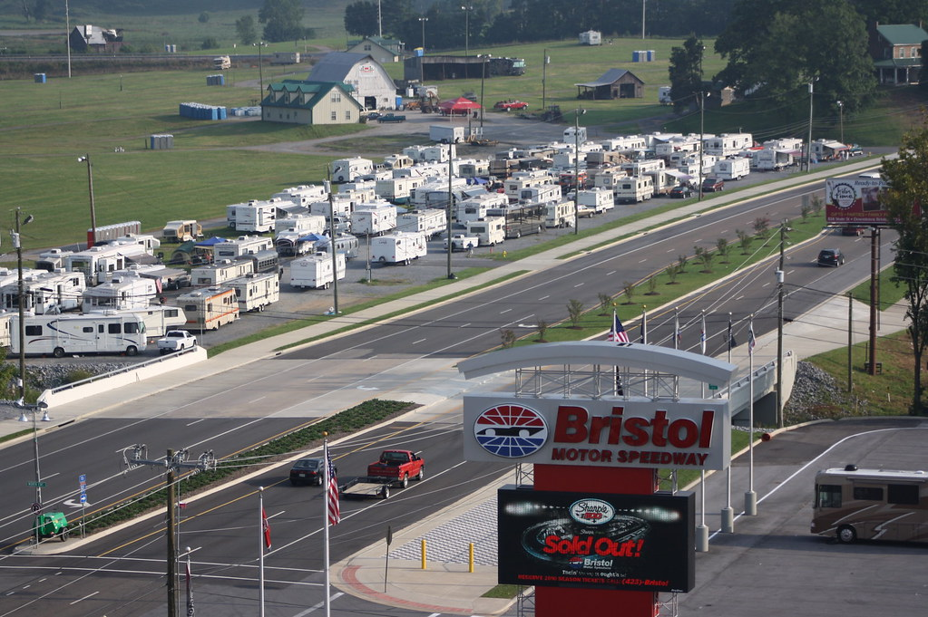 Bristol dragway autos post for Camping bristol motor speedway