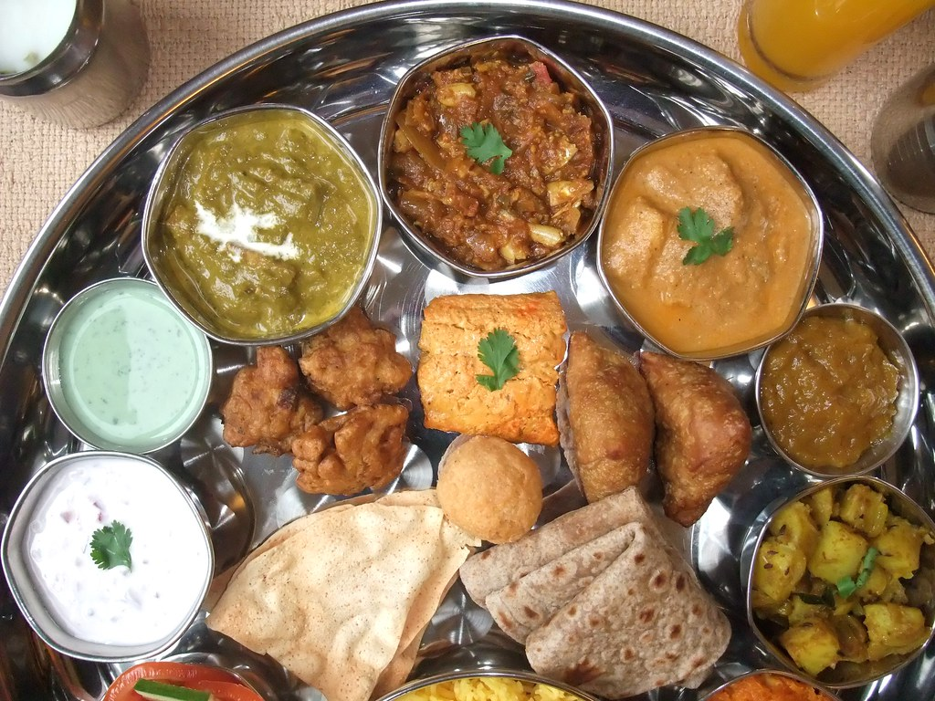 Indian food north indian thali 5 north indian thali for Abhiruchi south north indian cuisine