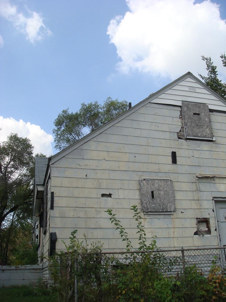 Asbestos Siding On Derelict House Derelict Residential