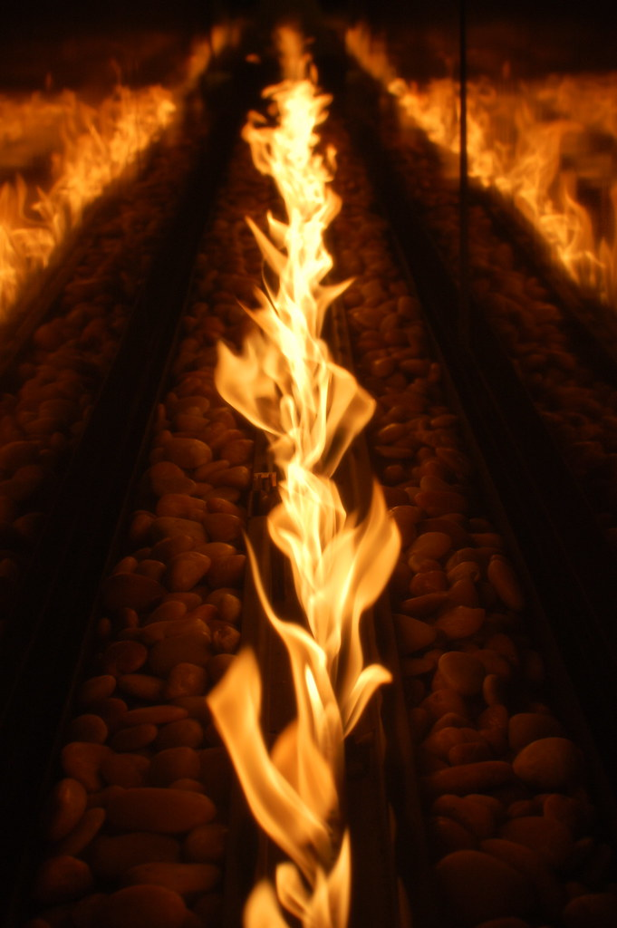 A Trail Of Fire | This is a side-on view of the gas ...