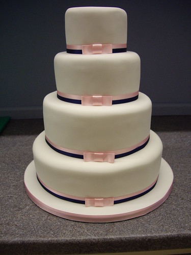 Classic Wedding Cake | by The Foxy Cake Company