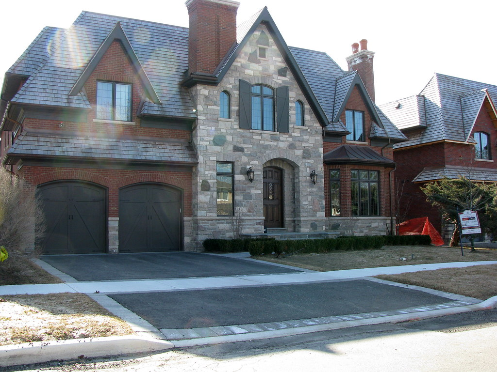 Ontario Quarries Limestones And Royal Plum Mod Bricks