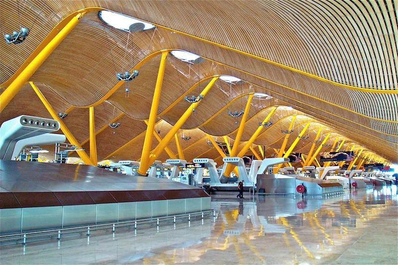 Madrid barajas airport terminal 4 spain richard rogers - Terminal ejecutiva barajas ...