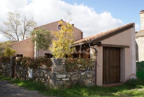 Casa tradicional de pueblo fachada casa tradicional de for Fachada tradicional