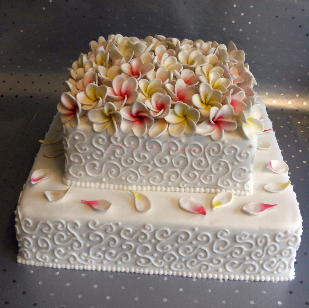 frangipani wedding cakes frangipani wedding cake 11 inch and 8 inch fruit cakes 14445