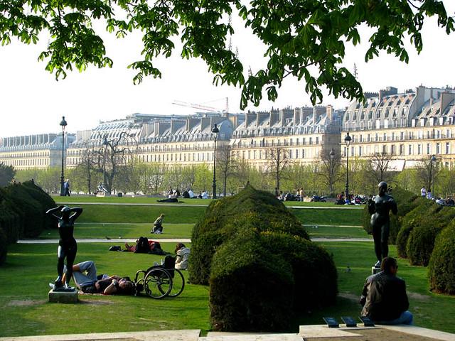 The garden jardin des tuileries paris france storm for Jardins tuileries paris france