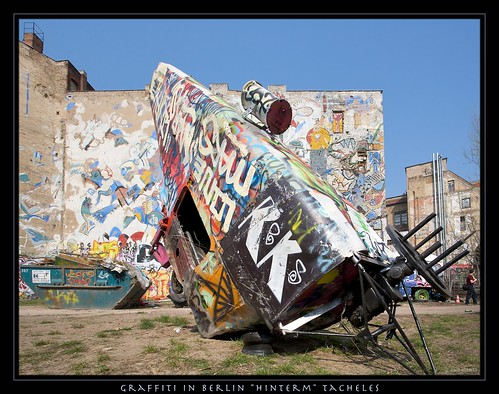 berlin kunst helikopter graffiti flickr photo sharing. Black Bedroom Furniture Sets. Home Design Ideas