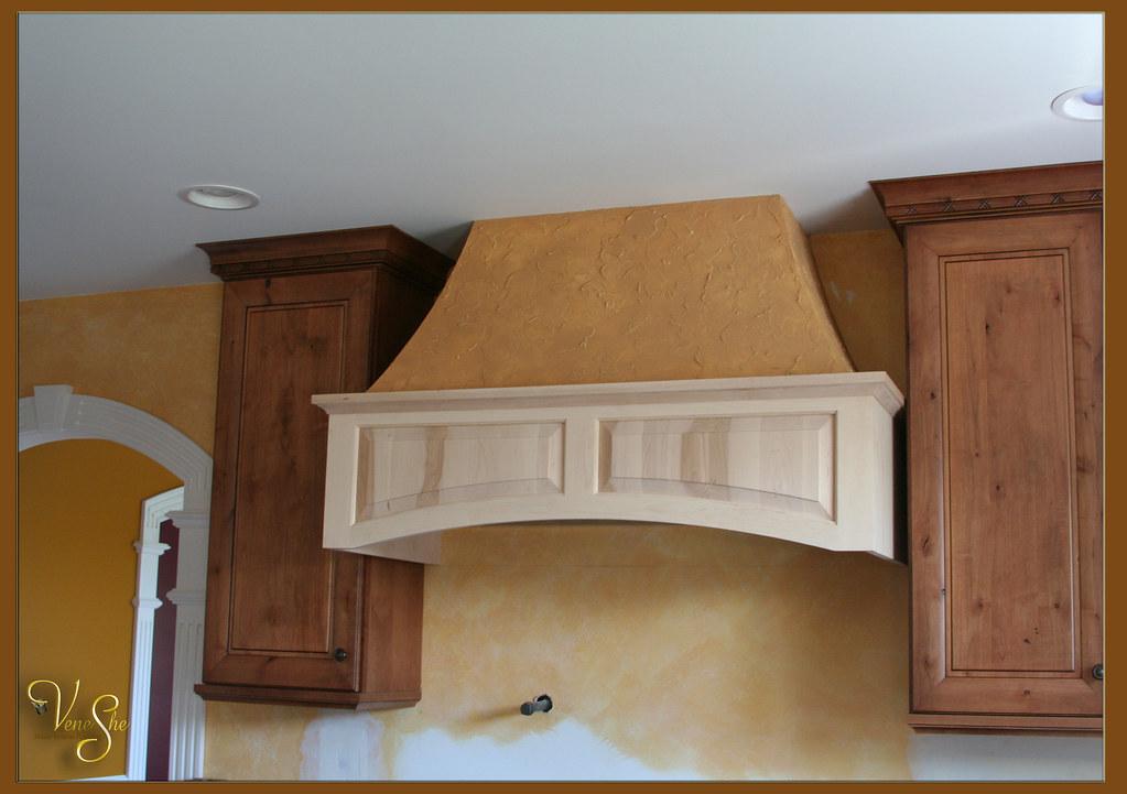 Rustic italian plaster on kitchen hood lori blomstrom for Italian kitchen hood