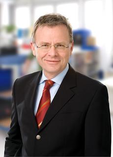 Heinz scheiner gesch ftsf hrer super verlag berlin for Burda verlag jobs