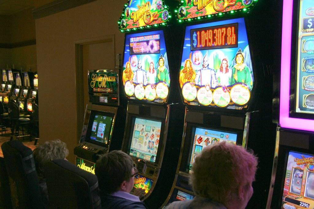 Meskwaki Bingo Casino Hotel  World Casino Directory
