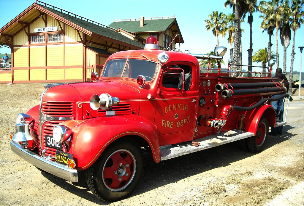 New Dodge Trucks >> 1942 Dodge Fire Truck | This truck is on display at the ...