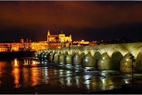 Puente romano y mezquita de cordoba by coke saeba - Mezquita de cordoba de noche ...