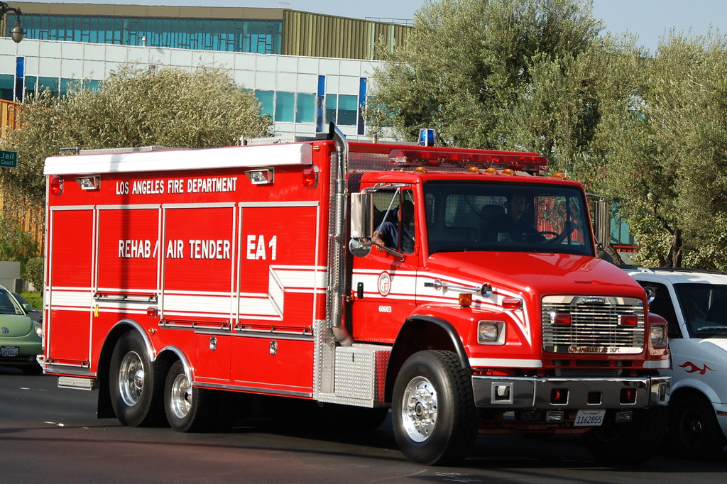 LOS ANGELES FIRE DEPARTMENT (LAFD) REHAB\/AIR TENDER EA1 - Flickr