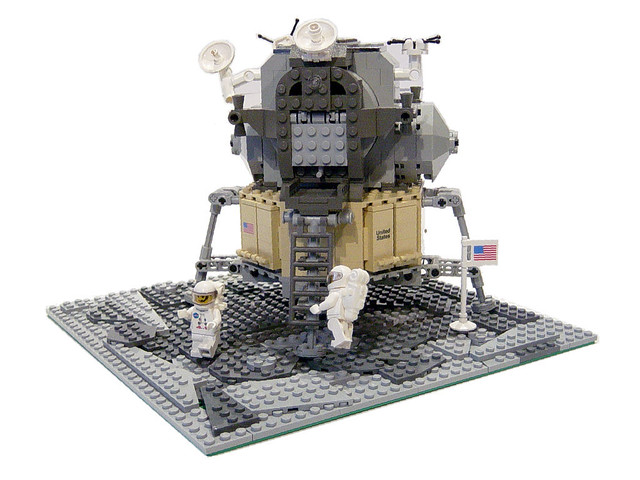 LEGO 10029 Lunar Lander | Built to celebrate the 40th ...