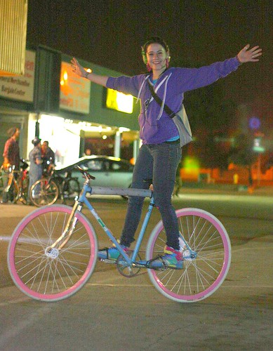 Tricia and her hot fixie | by Richard Masoner / Cyclelicious