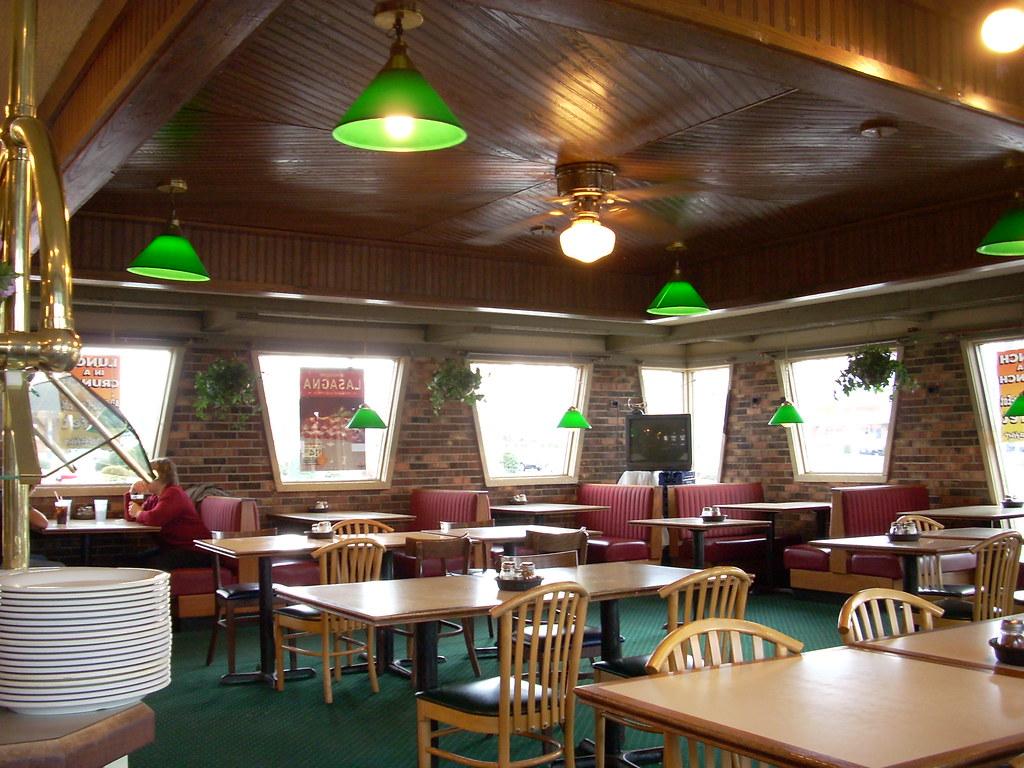 Pizza hut interior square feet