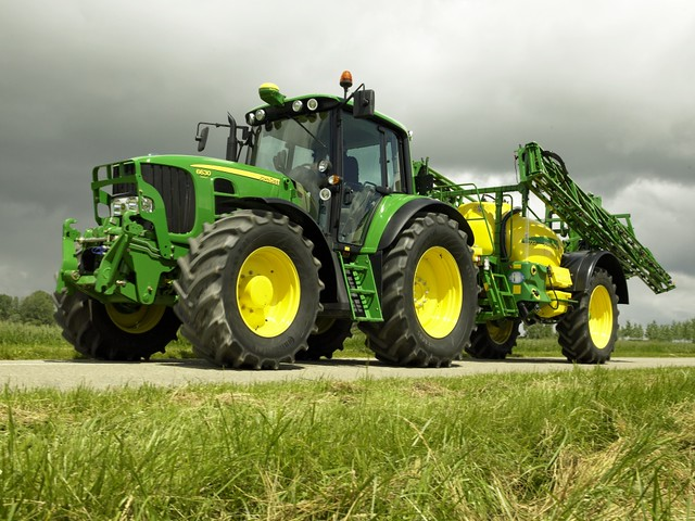 ci gnik traktor john deere 6030 i opryskiwacz nowe ci gni flickr. Black Bedroom Furniture Sets. Home Design Ideas