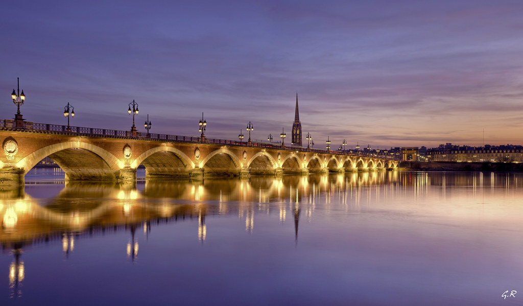 Pont de pierre au cr puscule bordeaux view awards count gilles r mus - Les ponts de bordeaux ...