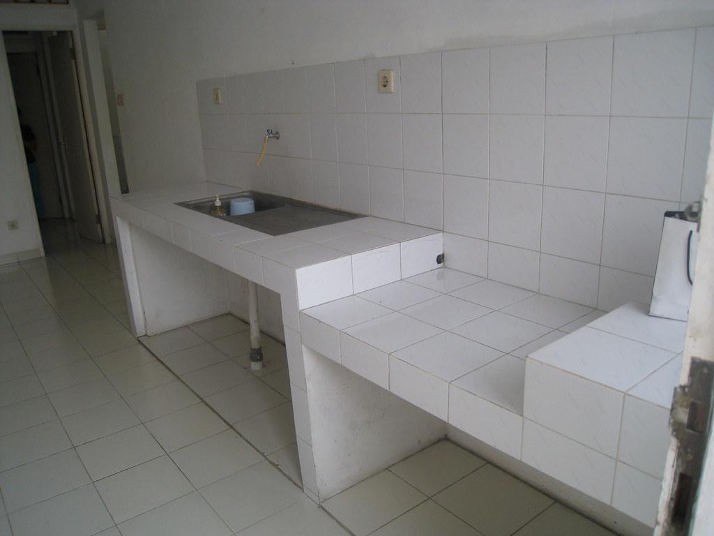 Dapur Meja tempat kompor gas dan bak cuci piring