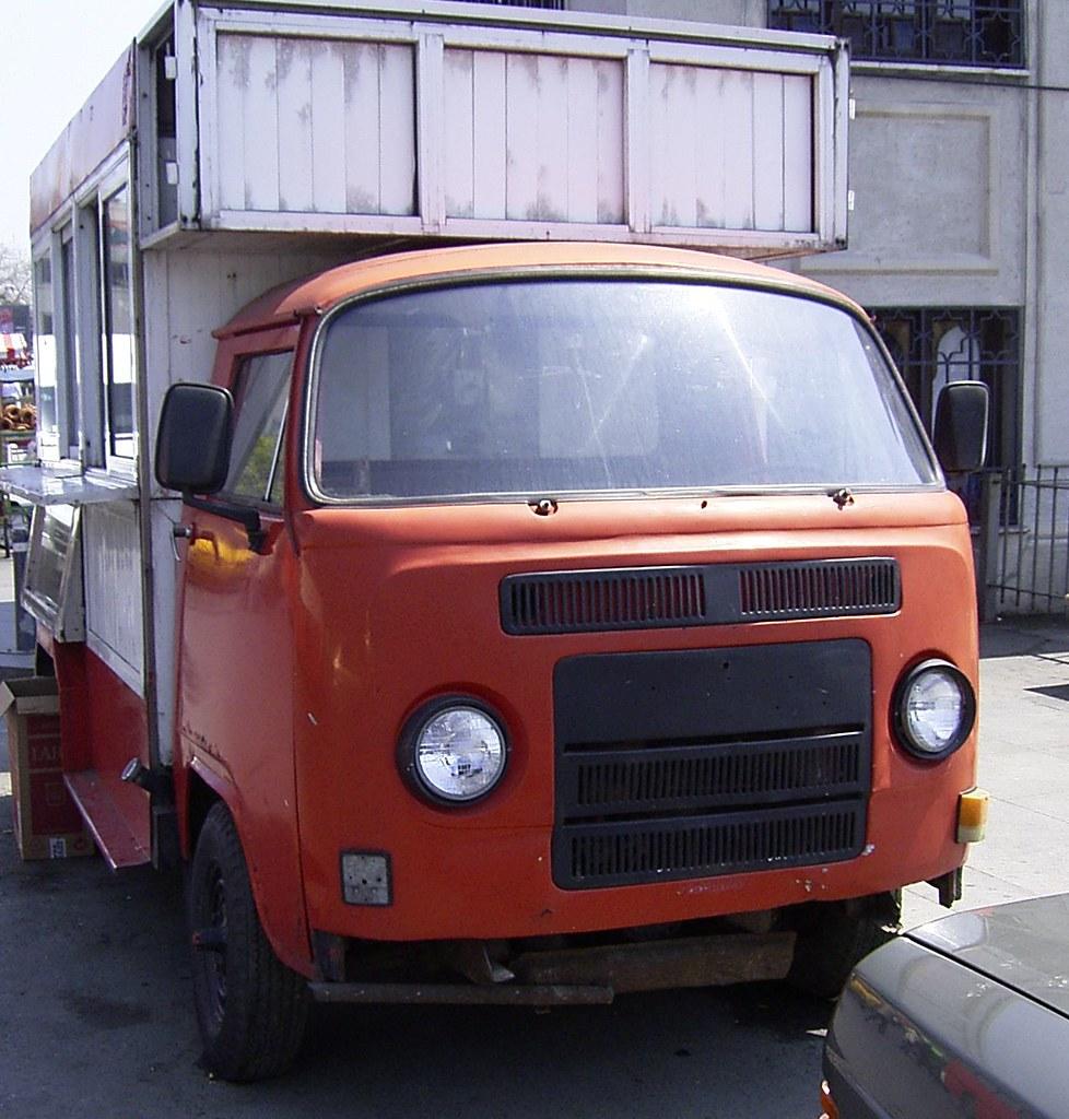 vw bus bulli t2 frontmotor einer der wohl letzten. Black Bedroom Furniture Sets. Home Design Ideas