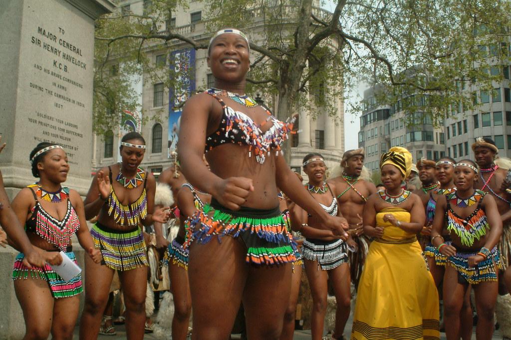 Dscf3150 Umoja Zulu South African Dance Ladies At Trafalga -3502