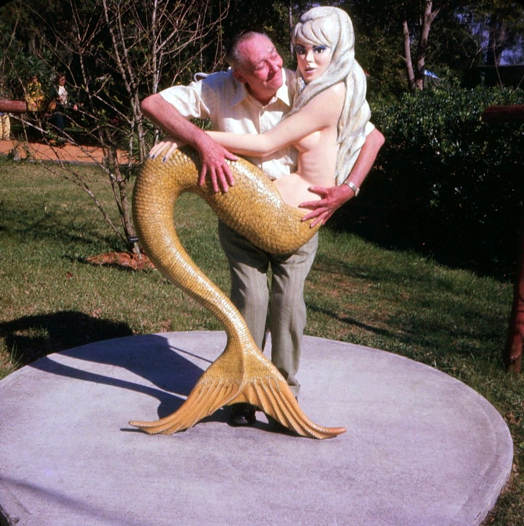 Mermaids in Florida Weeki Wachee Mermaid at Weeki Wachee