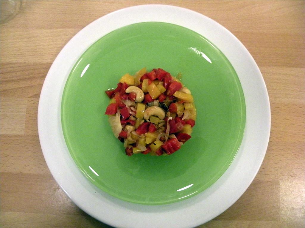 Peperoni allo zenzero con anacardi cucinare con il wok for Cucinare zenzero
