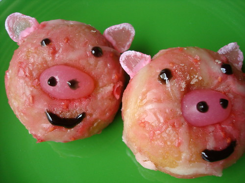 Piggies | by cakespy