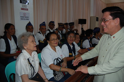 Vice Governor Ponce de Leon with the WWII veterans | by The Palawan Times
