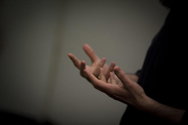 Yochai Hands
