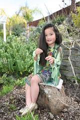 Gwen green shirt 036